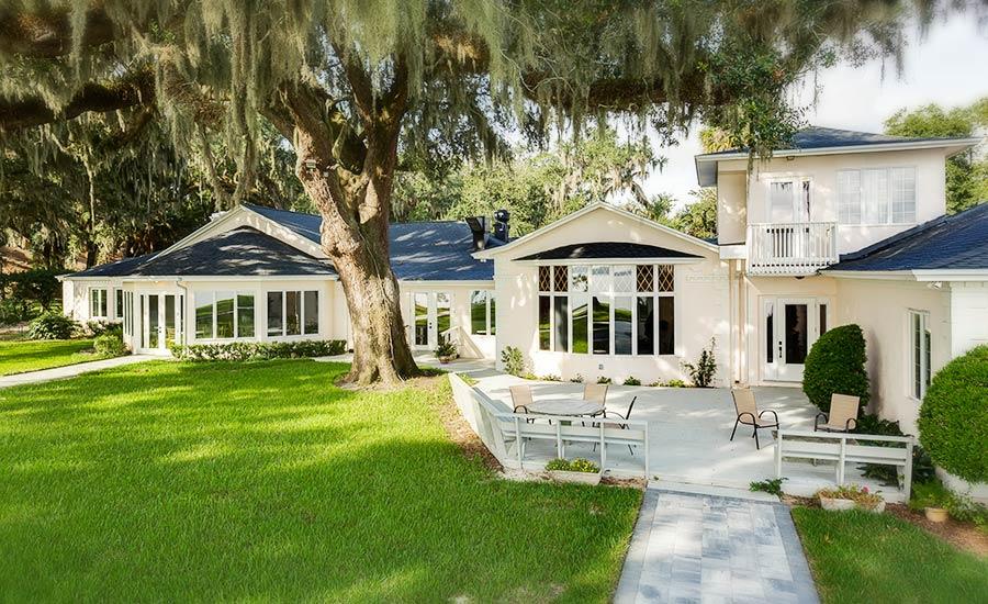 Azaleana Manor deck and lawn
